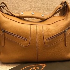 Mint condition TOD's Iconic Miky should bag